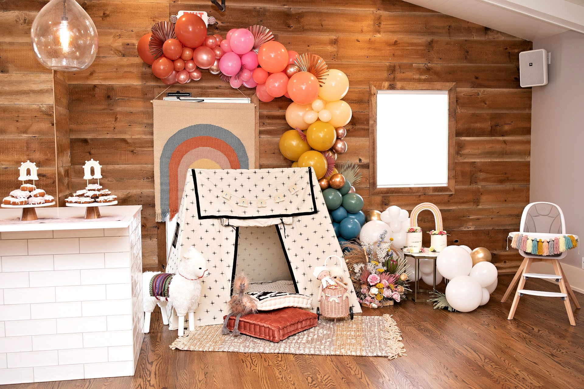 Boho Rainbow 1st Birthday at Graham's 318 | Jennifer Kaye Photography